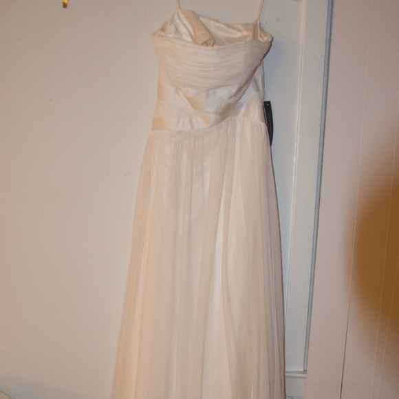 Ann Taylor Dresses | Tulle White Strapless Wedding Gown | Poshmark